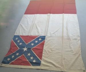 PHOTO LAST NATIONAL CONFEDERATE FLAG